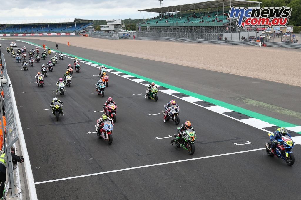 BSB Silverstone Rnd Superstock Race start