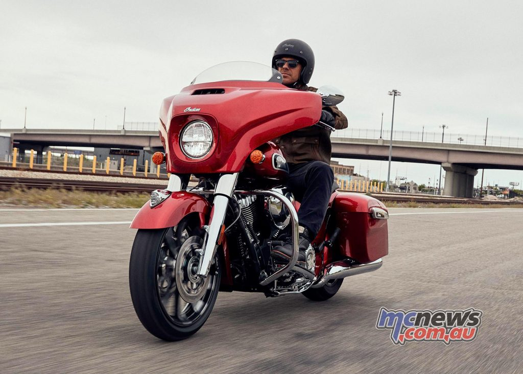 Indian Chieftain imc chieftainlimited rubymetallic riding jp