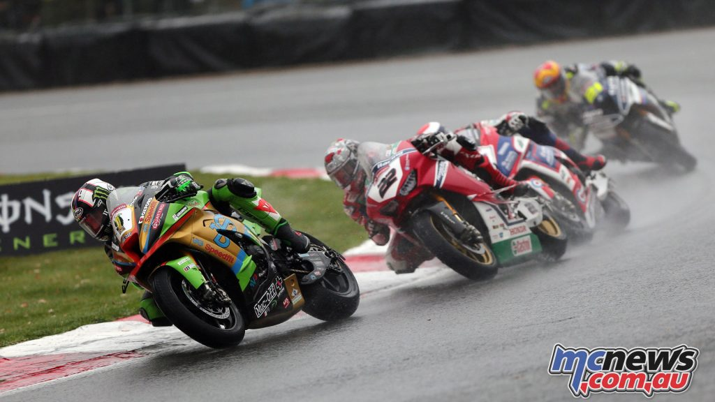 BSB Final Brands Sun Leon Haslam leads Jason oHalloran Race