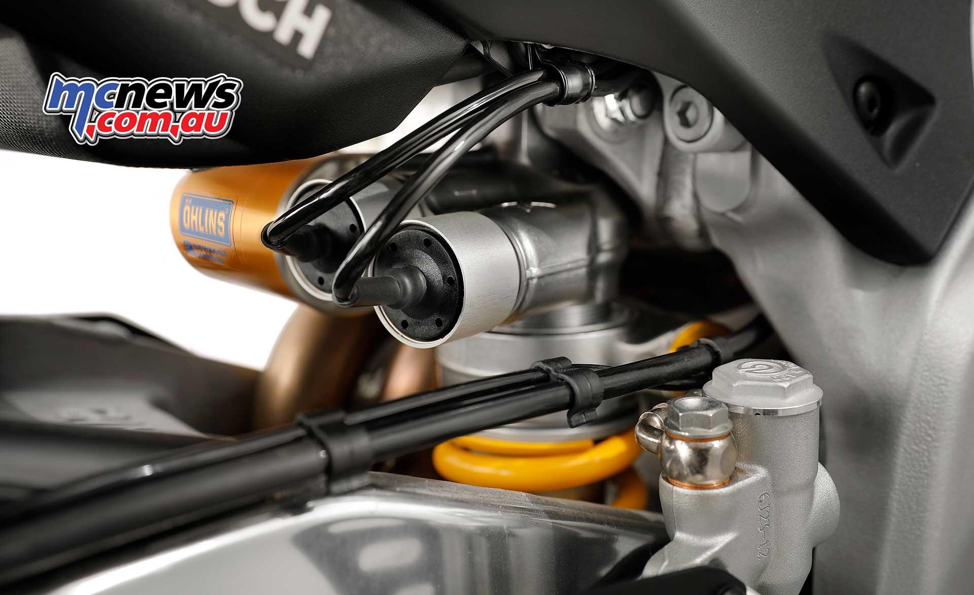 Aprilia Tuono V4 1100 Rr And Tuono V4 1100 Factory Motorcycle News Sport And Reviews