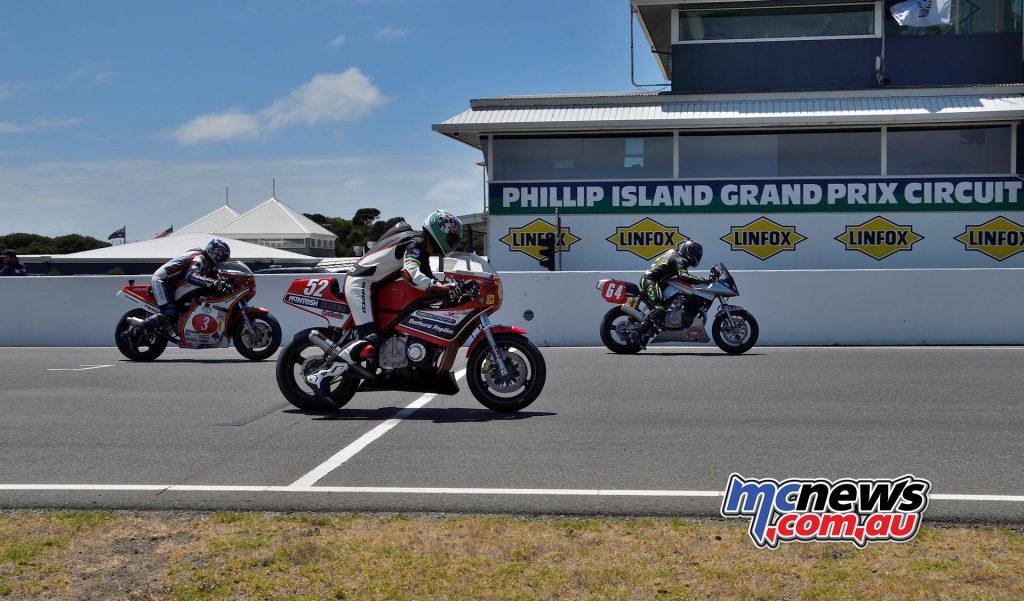 IIC Phillip Island Rob Mott Sat Start Morris Byrne
