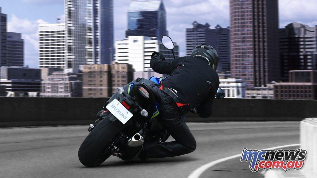 Suzuki GSX SYAL YSF action