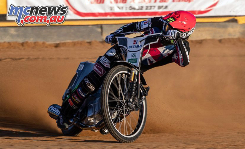 Tai Woffinden in action ImgWarwickHemy