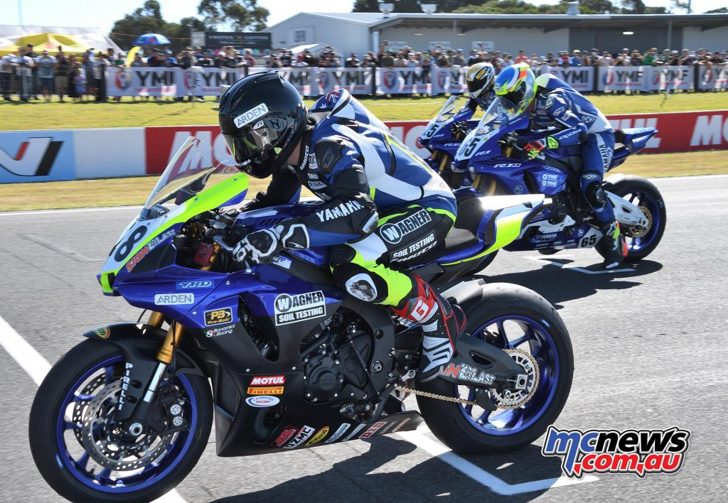 ASBK Round Phillip Island SBK Saturday Rob Mott Aiden WAGNER start