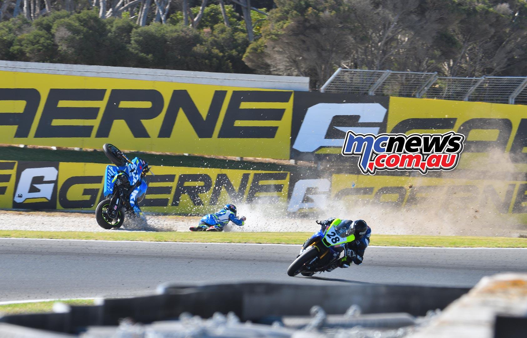 ASBK Round Phillip Island SBK Saturday Rob Mott Wayne Maxwell Crash