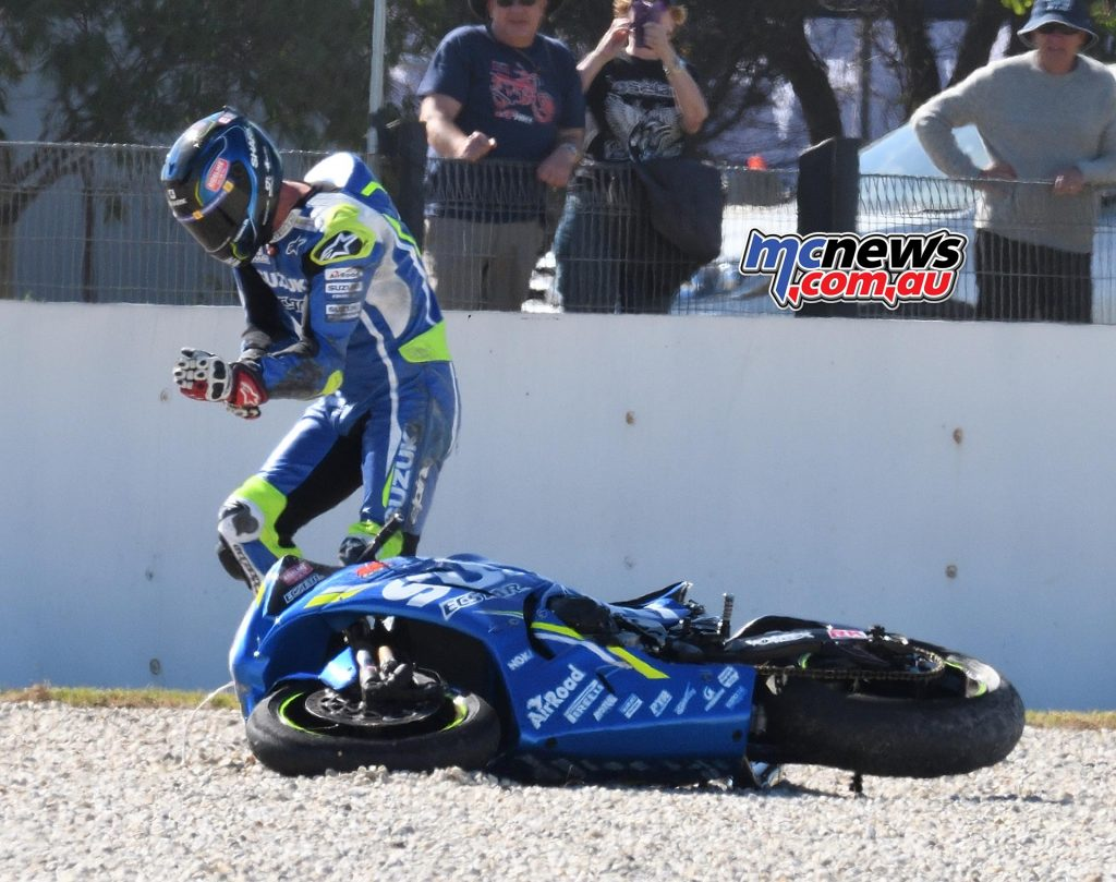 ASBK Round Phillip Island SBK Saturday Rob Mott Wayne after crash holding hand