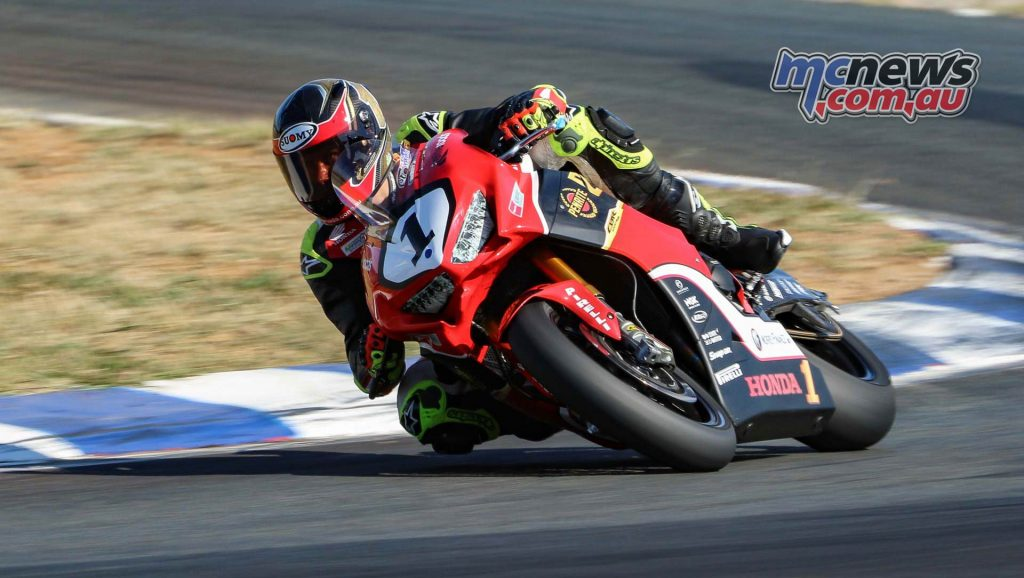 ASBK Test Wakefield TDJimages Troy Herfoss