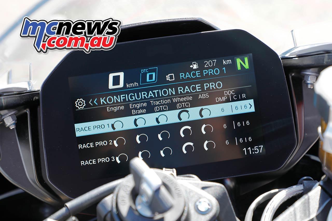 BMW SRR Dash Details