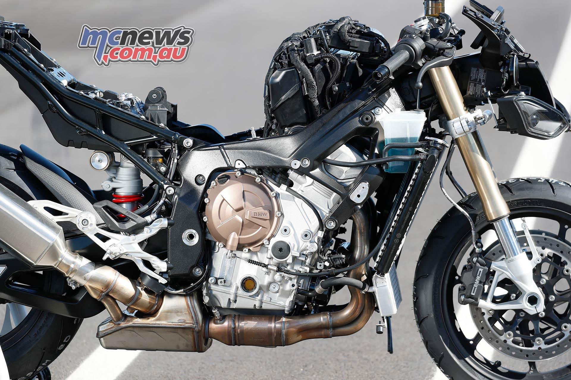 BMW SRR Engine AirBox Details