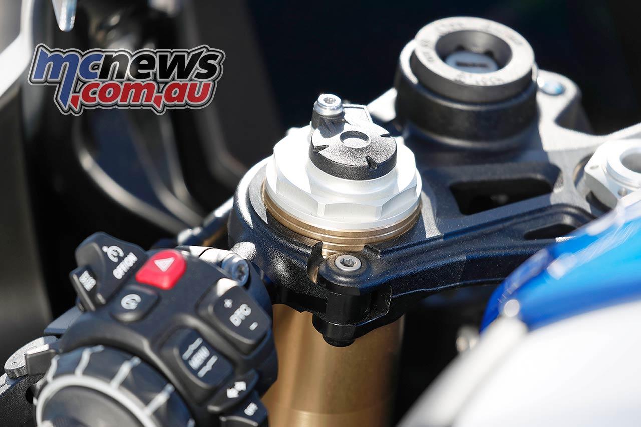 BMW SRR Forks Details