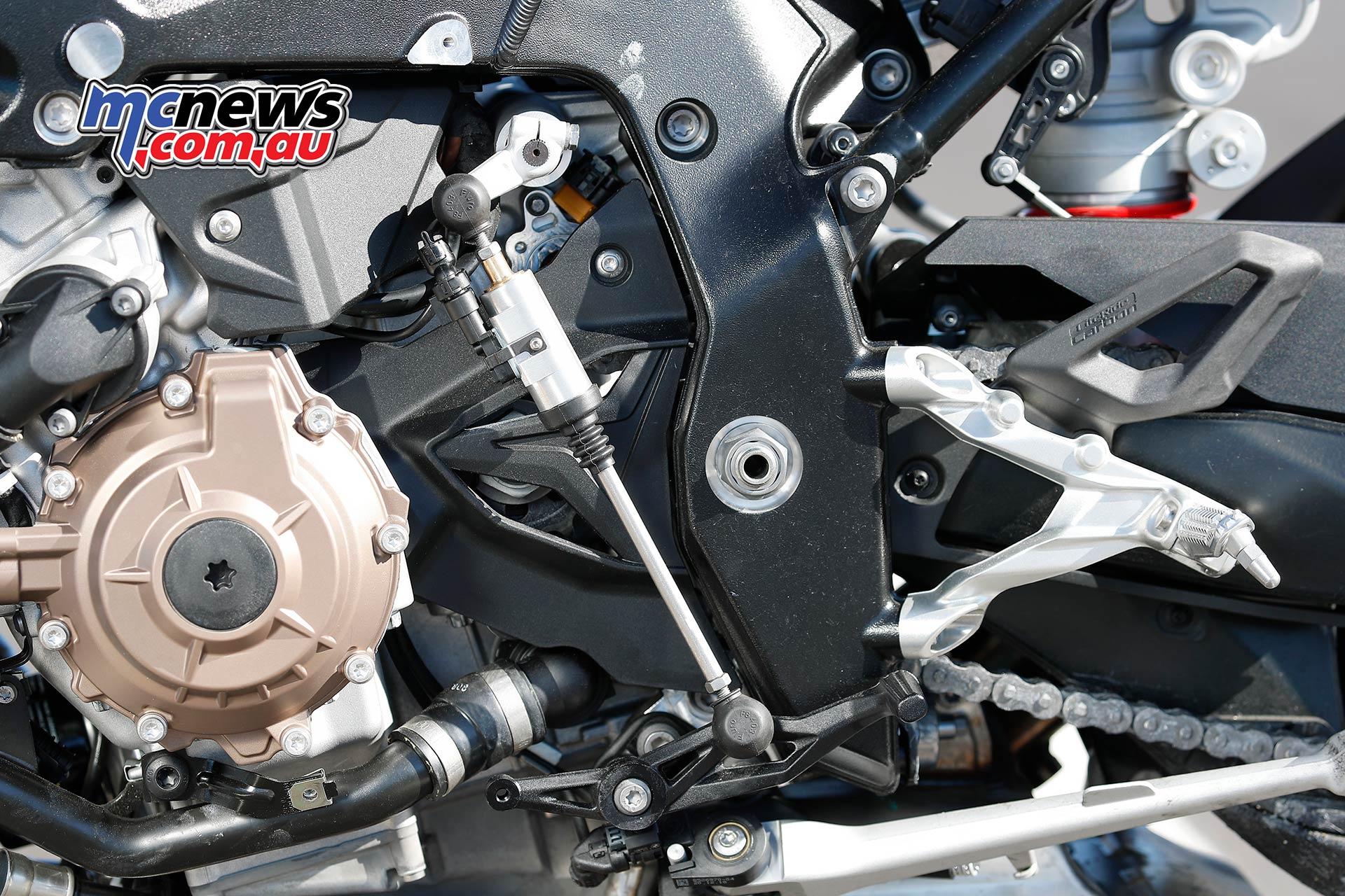 BMW SRR Shifter Details