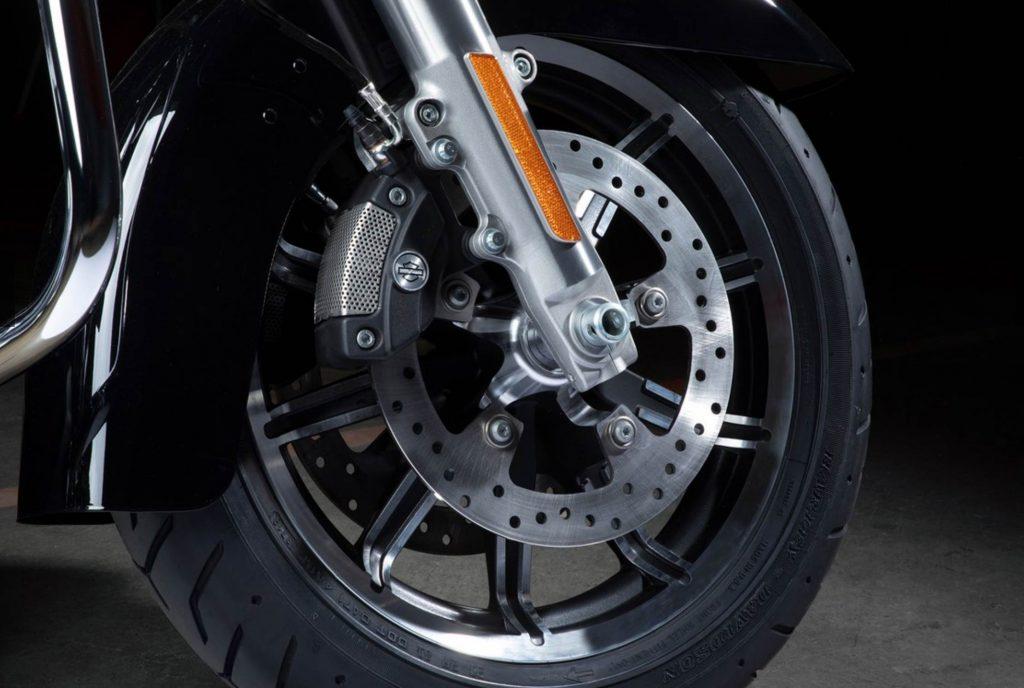 Harley Davidson Electra Glide Standard Brakes