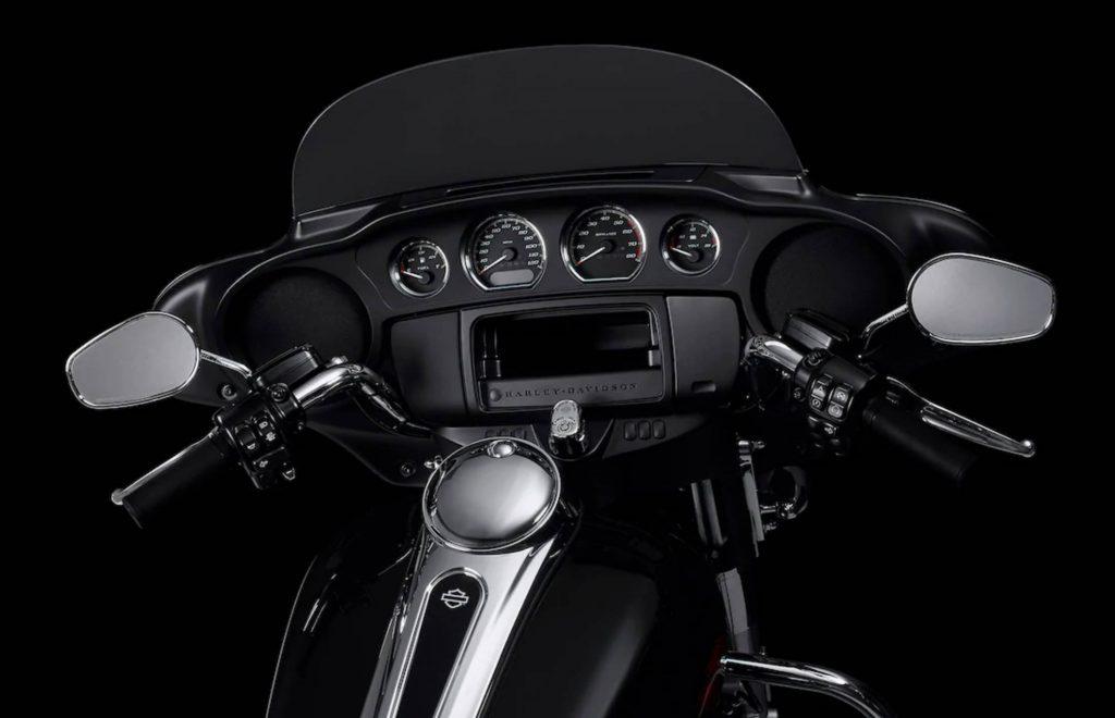 Harley Davidson Electra Glide Standard Cockpit
