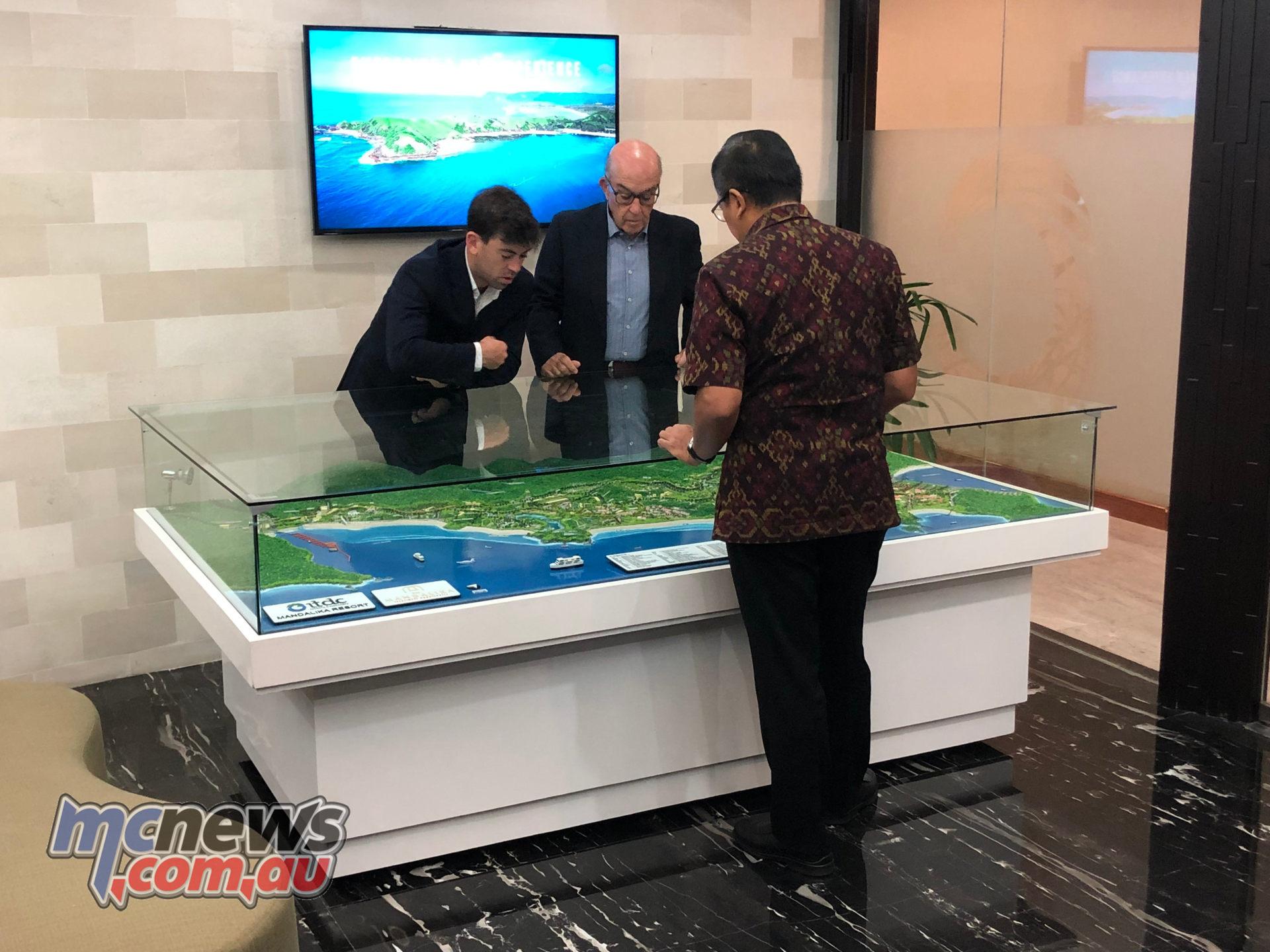 Carlos L and Dorna CEO Carmelo Ezpeleta centre prepare for Indonesia to be on the MotoGP™ map