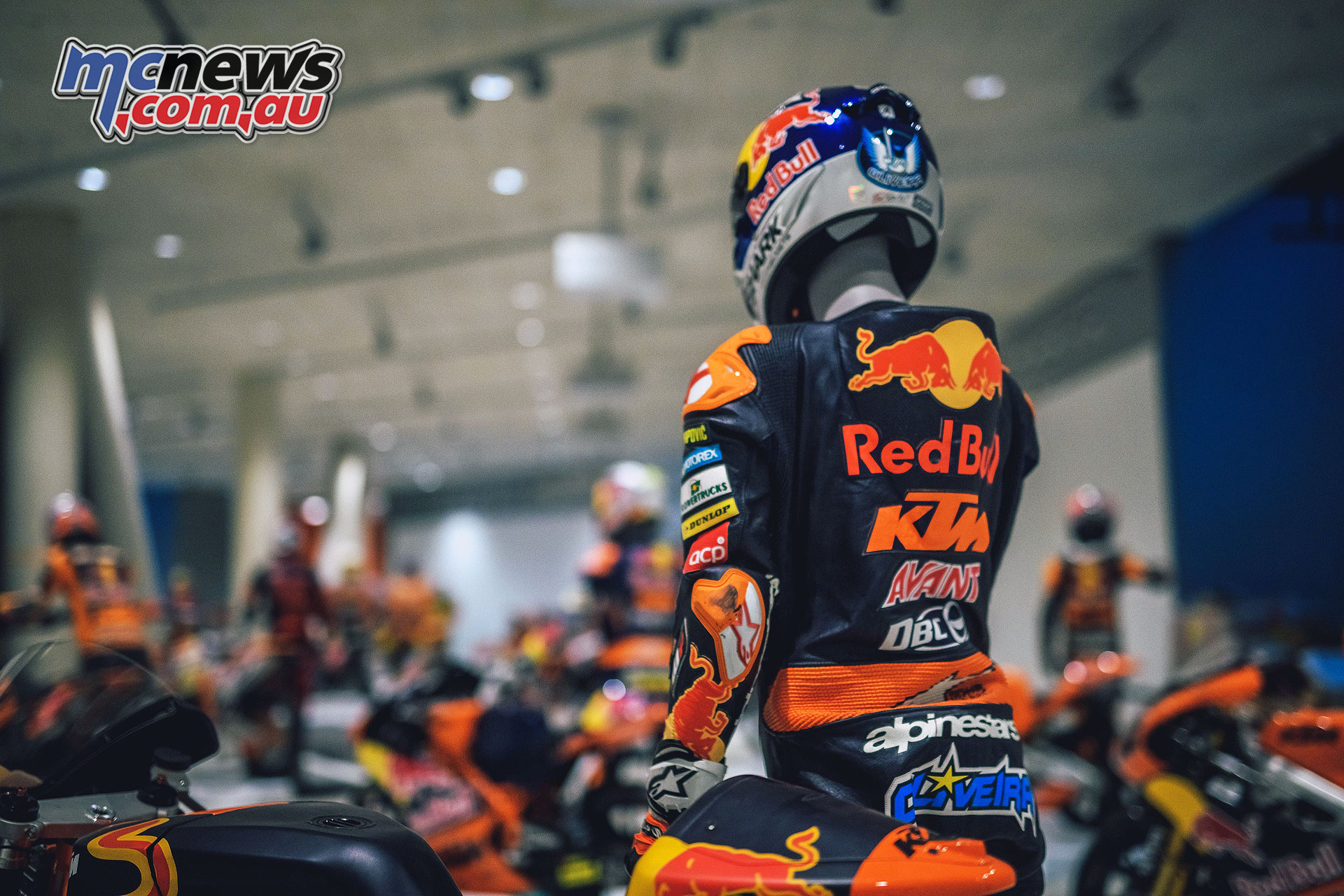 KTM Motohall Racing Hero