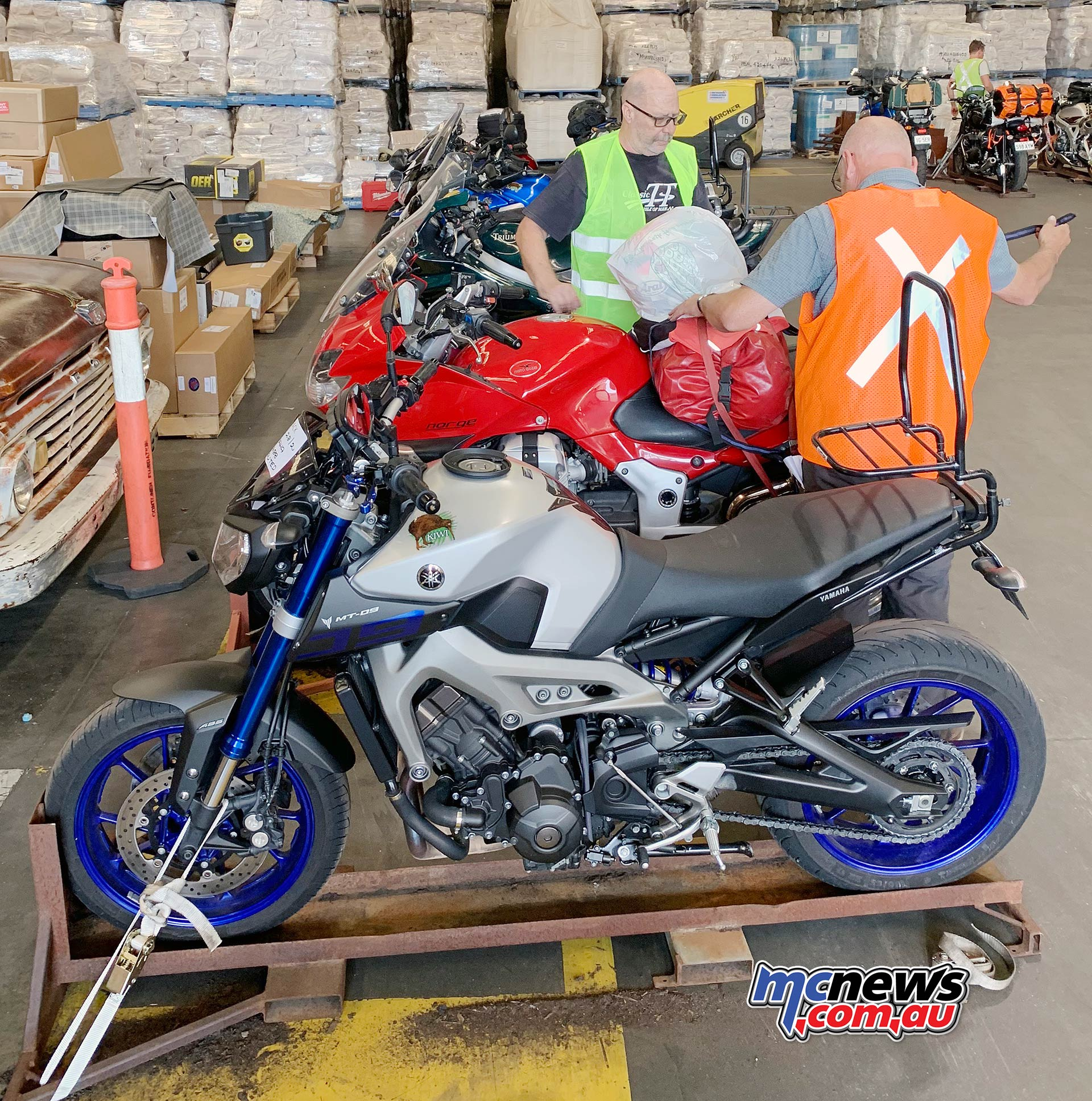 TT Get Routed Loading Yamaha MT