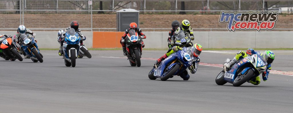 ASBK Rnd The Bend RbMotoLens SS R Start First Corner