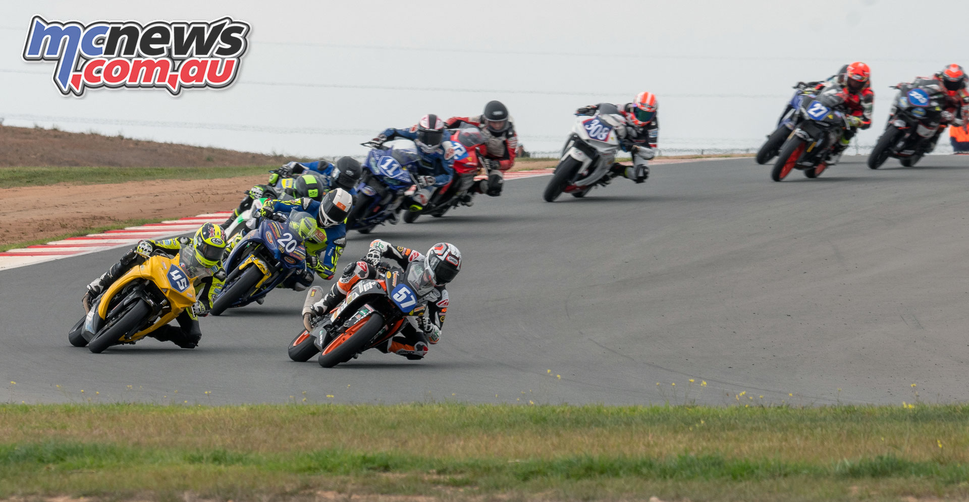 ASBK Rnd The Bend RbMotoLens SS R Re Start Hunter FORD Seth CRUMP Olly SIMPSON