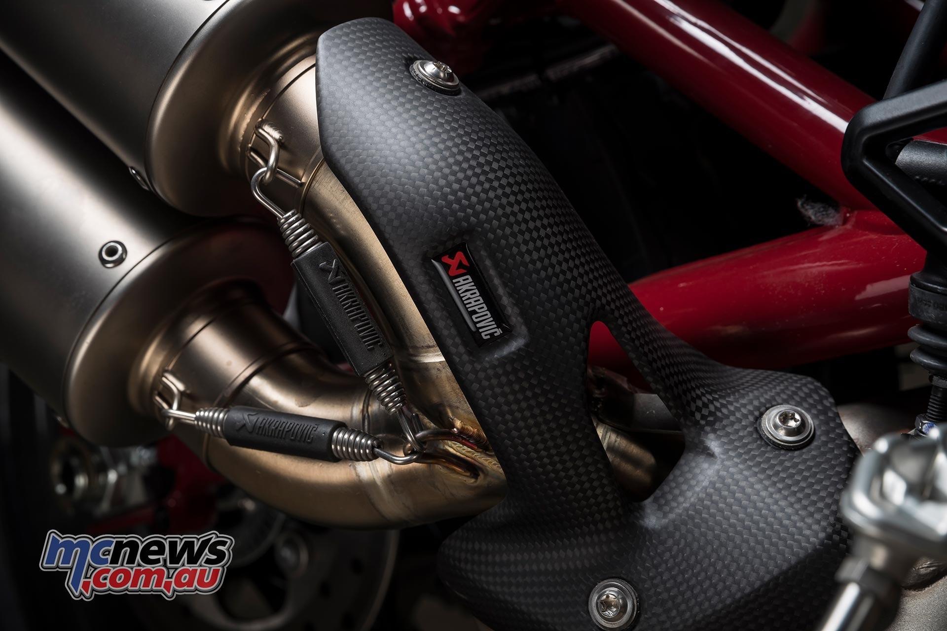 Indian FTR S Rally Replica Akrapovic