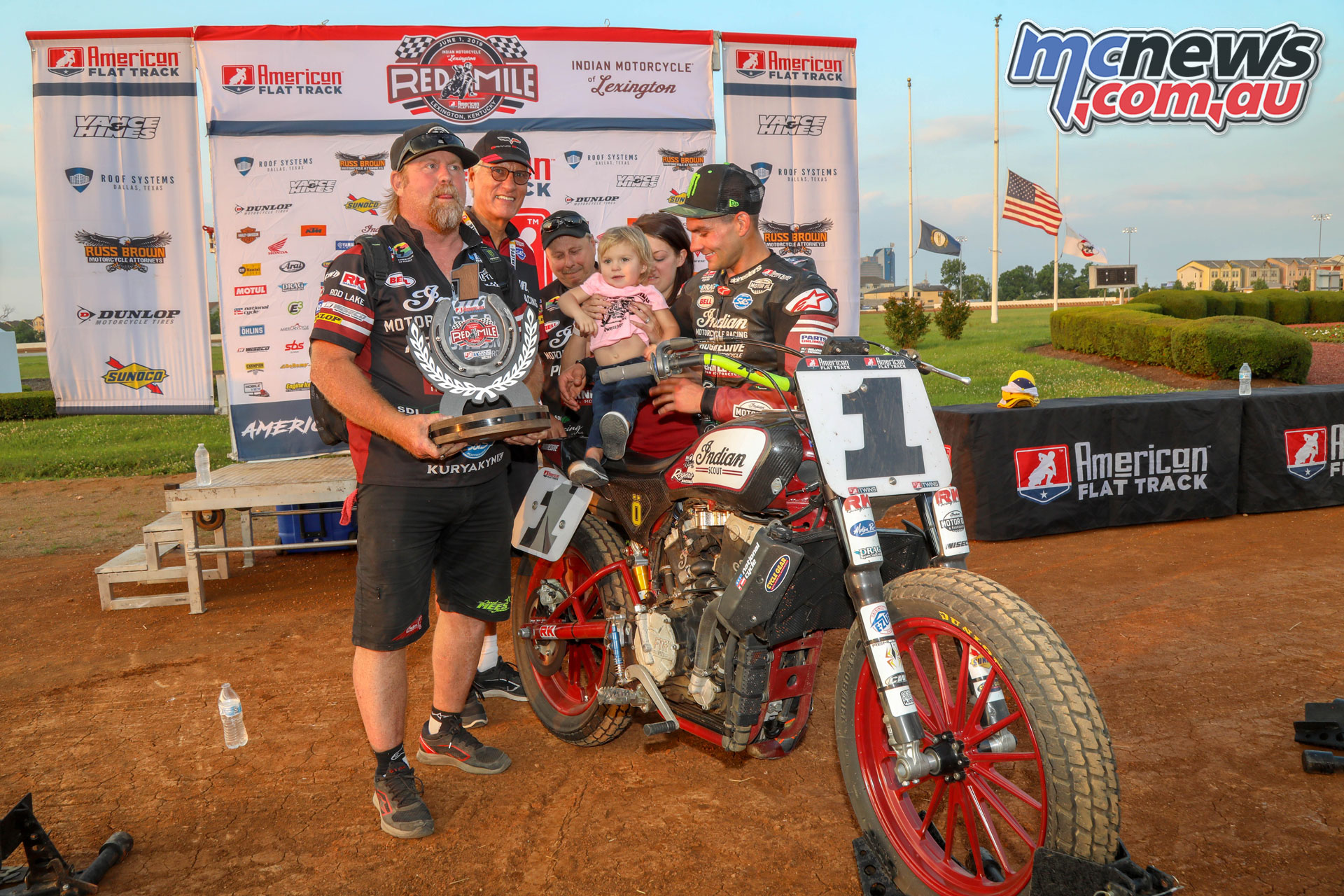 AFT Twins Red Mile Twins Main Event Podium FA