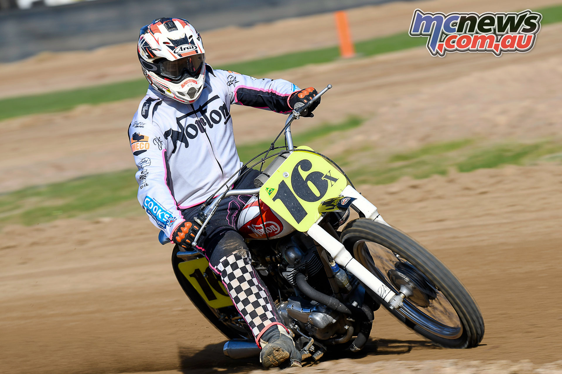Australian Classic Dirt Track Championship Damien Bombardiere beautiful and quick Norton ACDTC