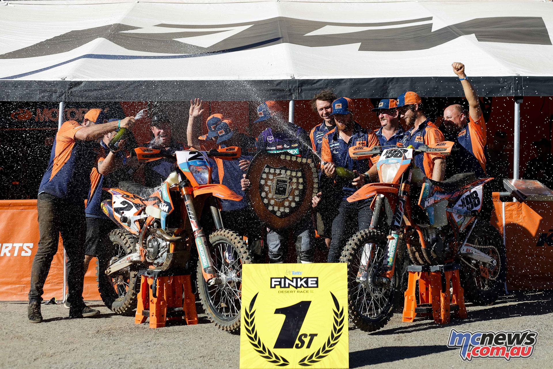 Finke Desert Race podium fm