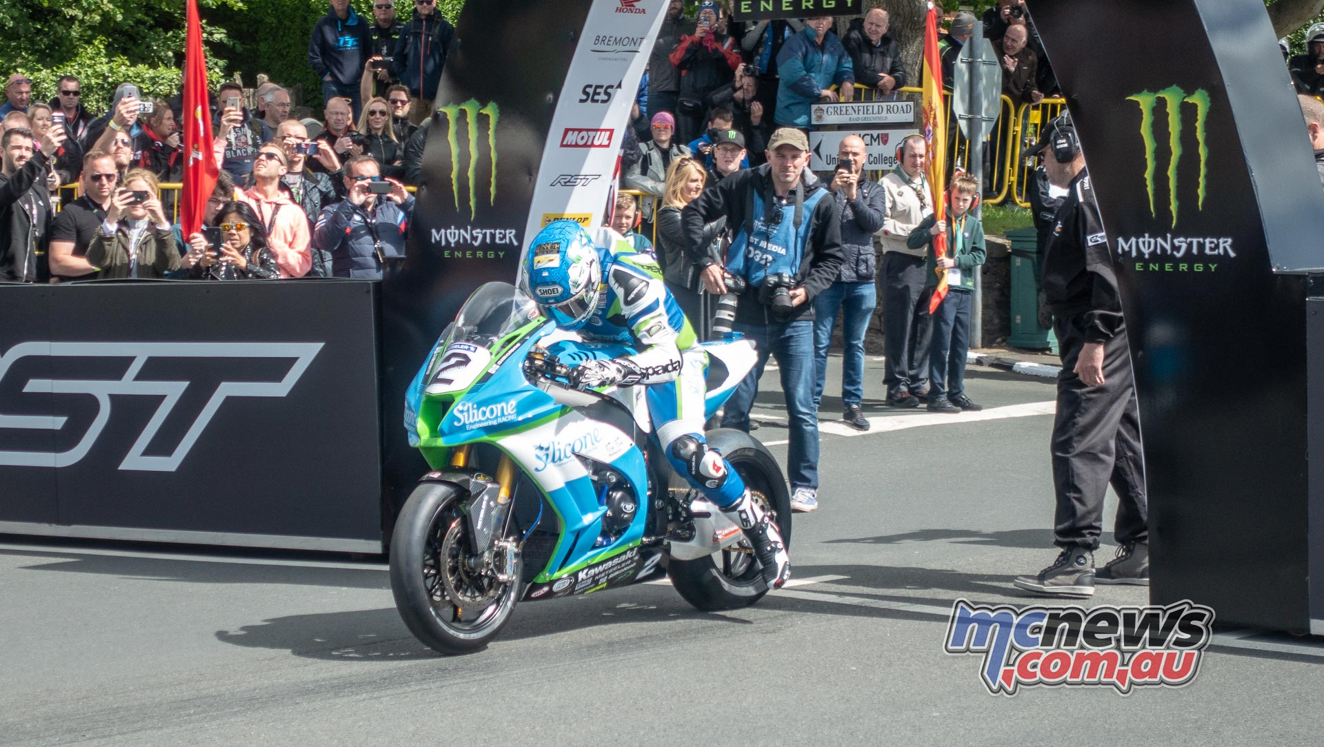 IOMTT Superbike Race Start Dean Harrison