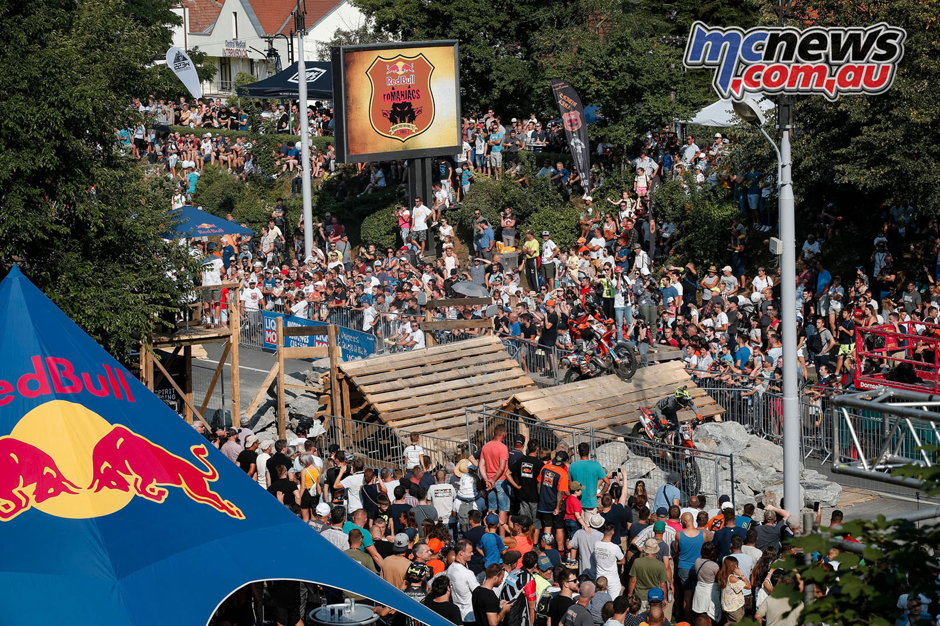 Red Bull Romaniacs WESS Rnd Prologue crowds