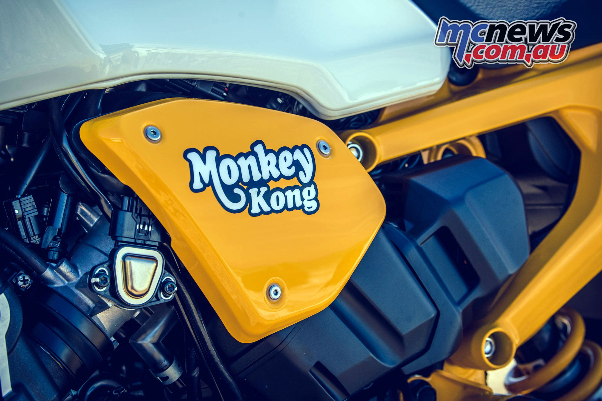 Wheels Waves Honda Monkey Kong and Yellow Monkey