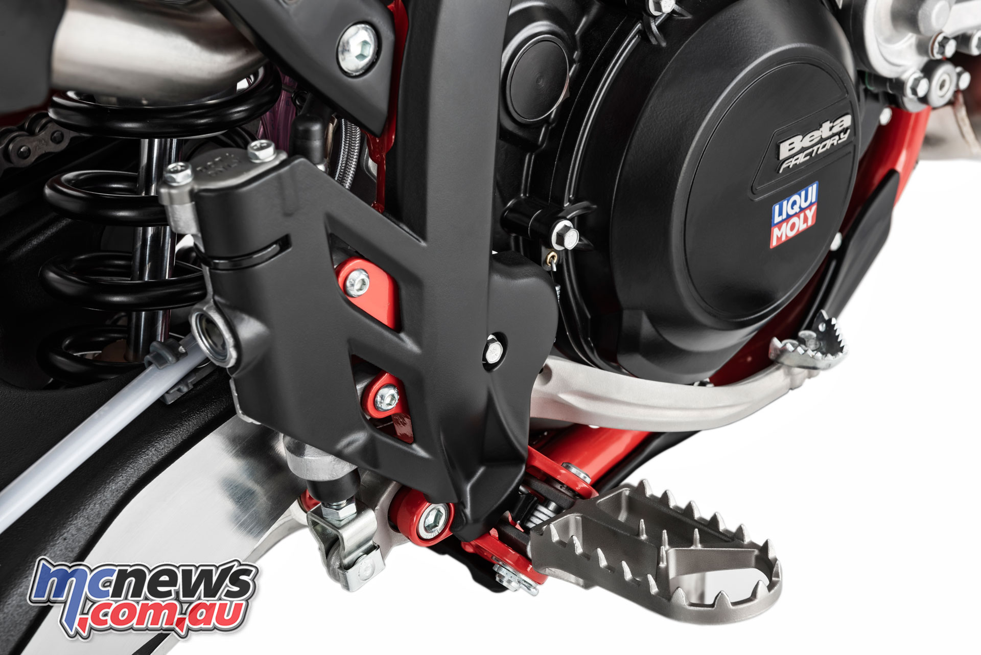 Beta RR enduro footpegs DSC