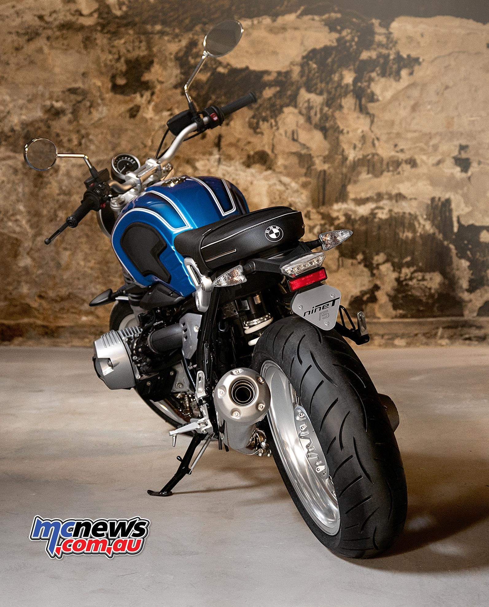 A mix of old and new for the anniversay BMW R nineT /5