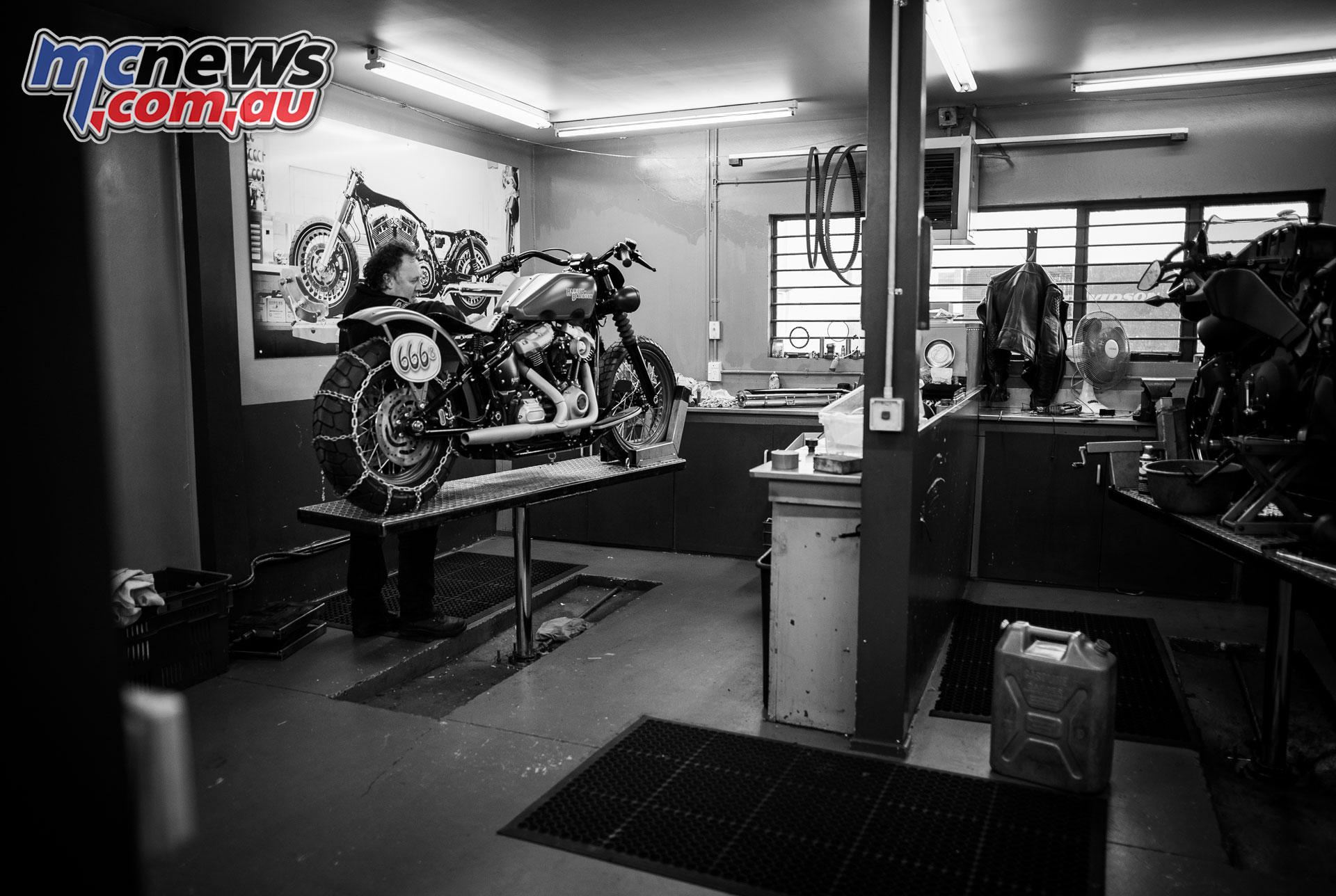 Battle of The Kings Harley Davidson AU NZ BUILDER Rolling Thunder