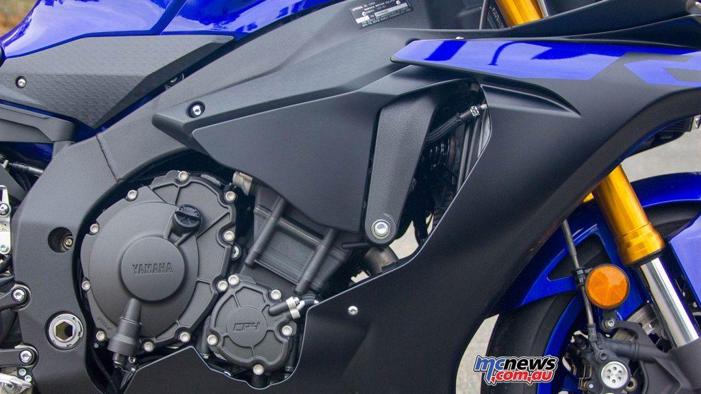 Yamaha YZF R WVimage Rpics i