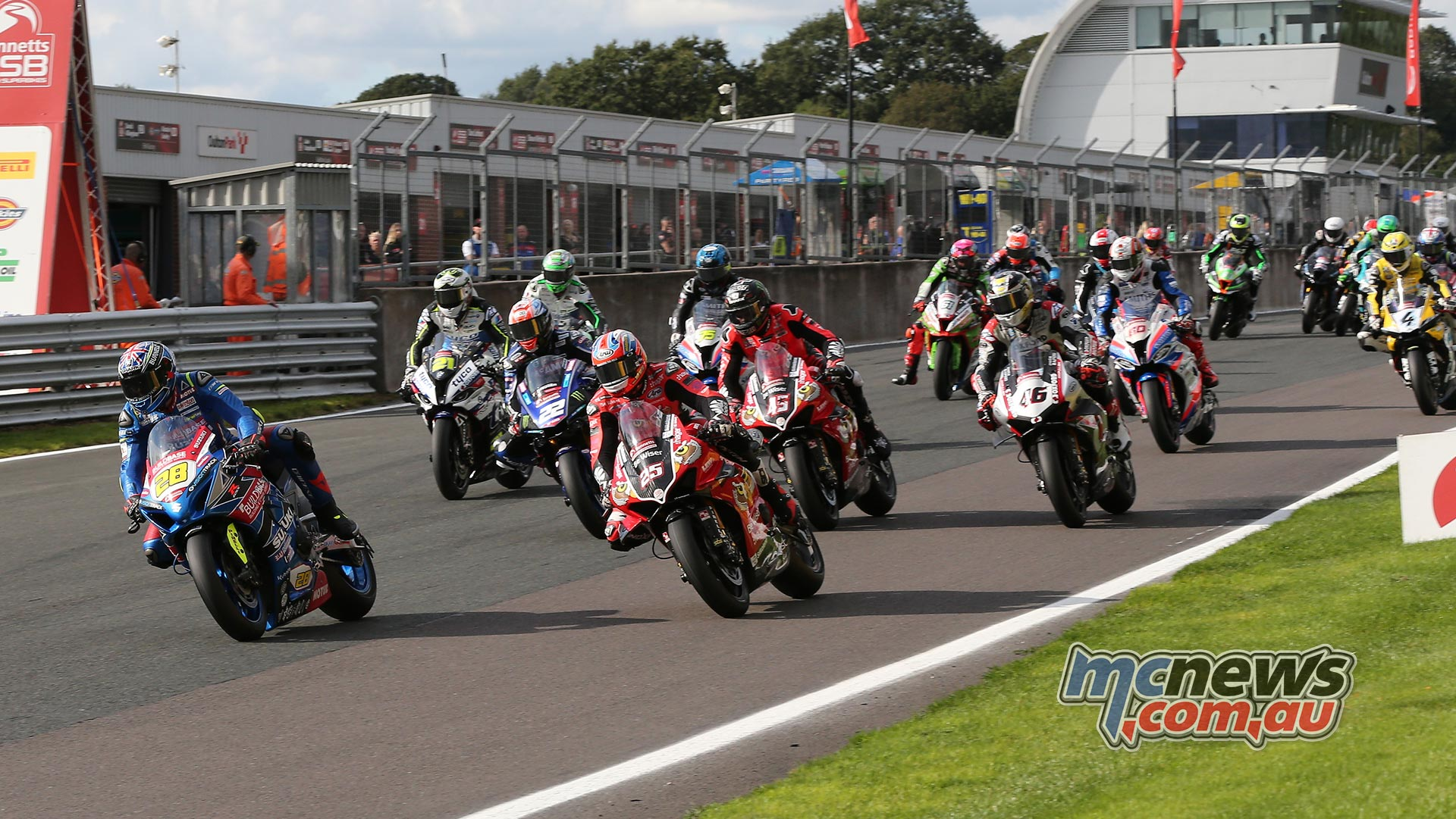 BSB Rnd OultonPark Saturday SBK R Start Ray