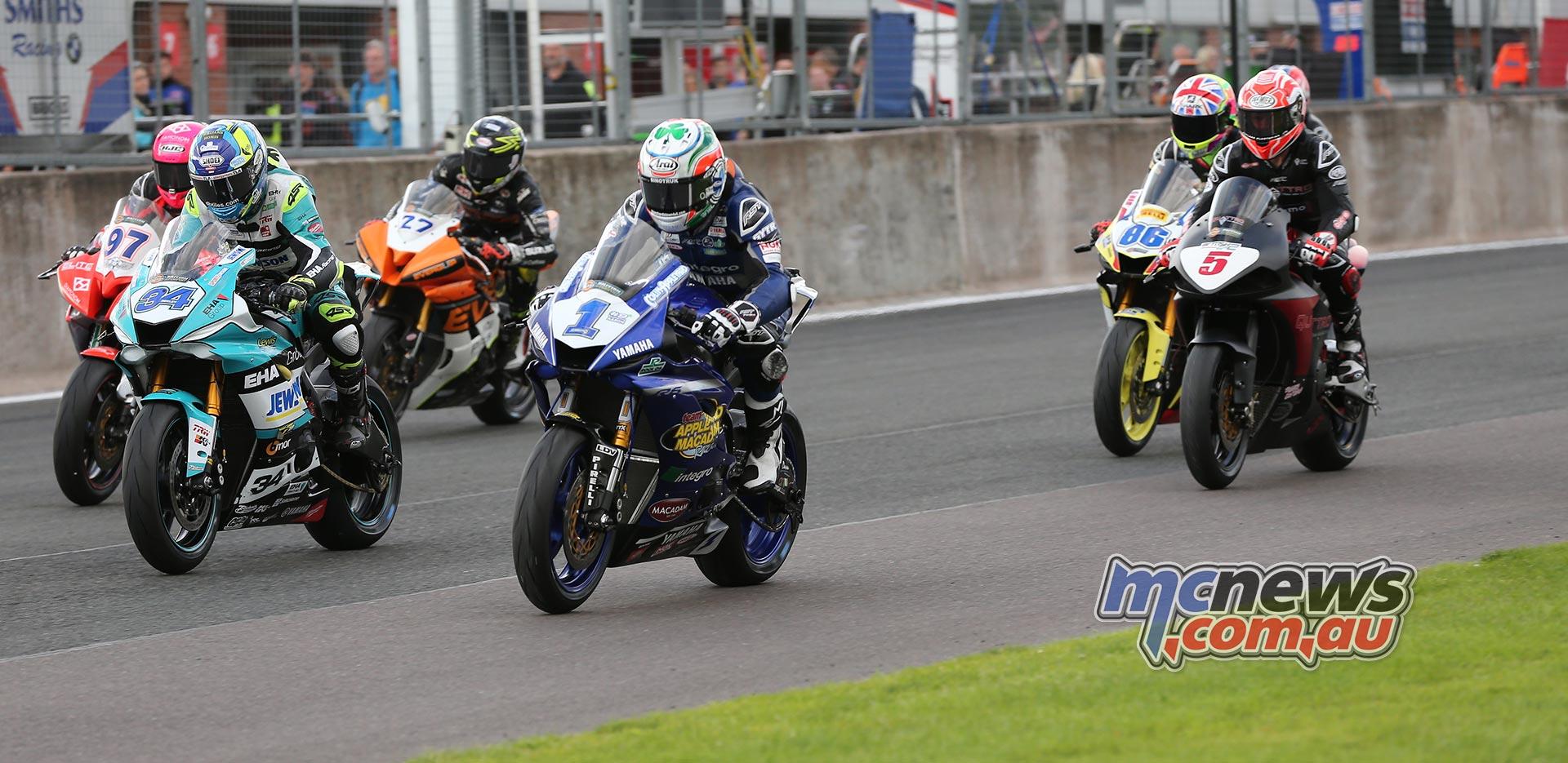 BSB Rnd OultonPark Saturday Supersport Start