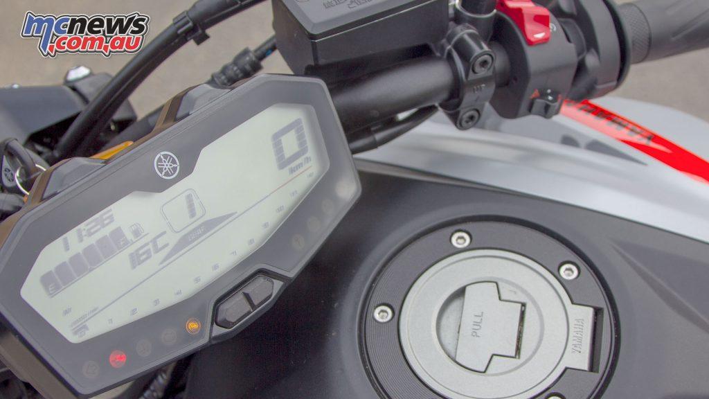 Yamaha MT Review MTpicsb