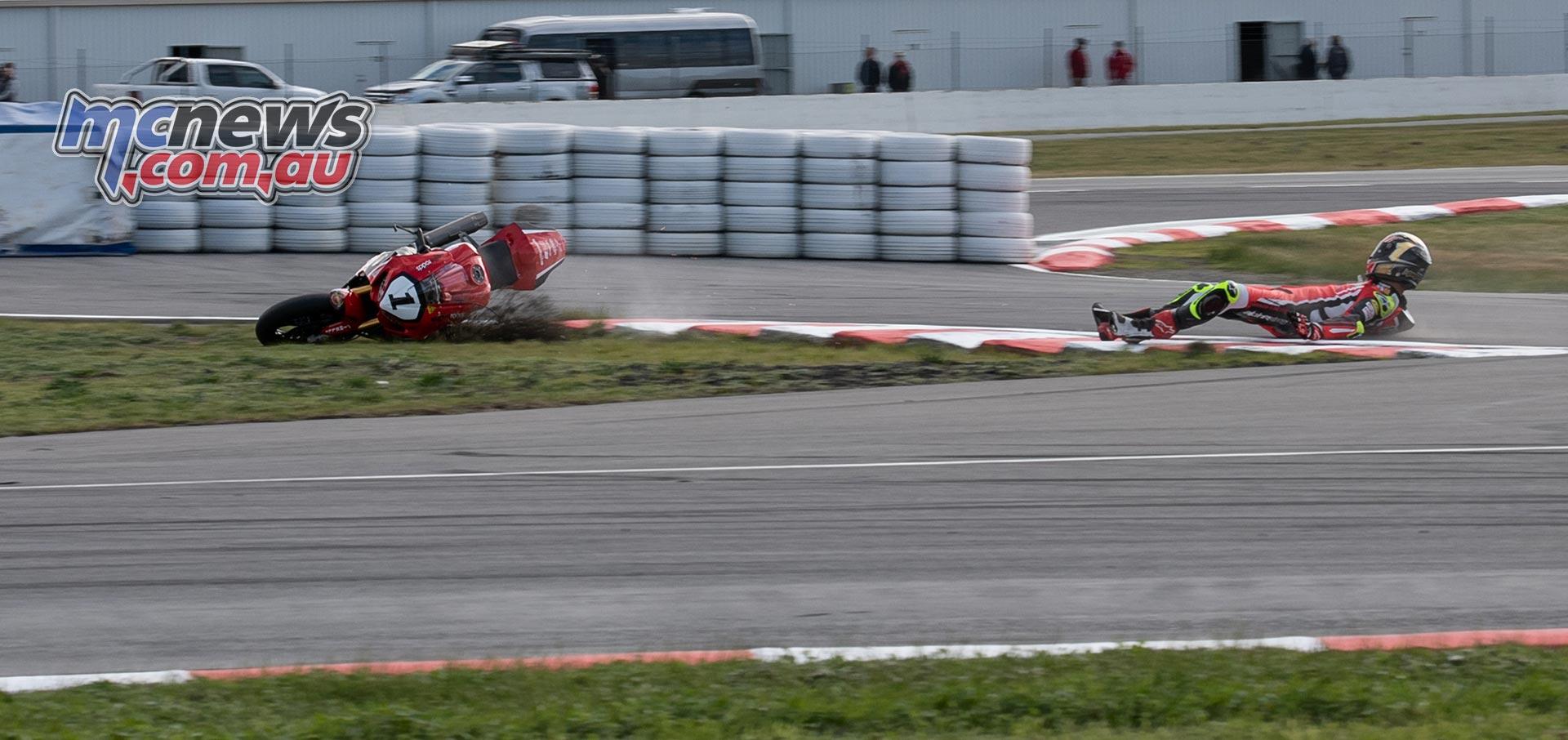 ASBK Rnd RbMotoLens Herfoss Crash