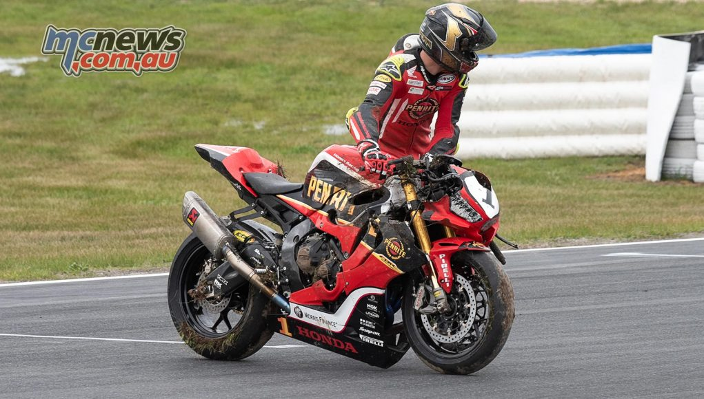 ASBK Rnd Winton RbMotoLens SBK Troy HERFOSS Crashed bike