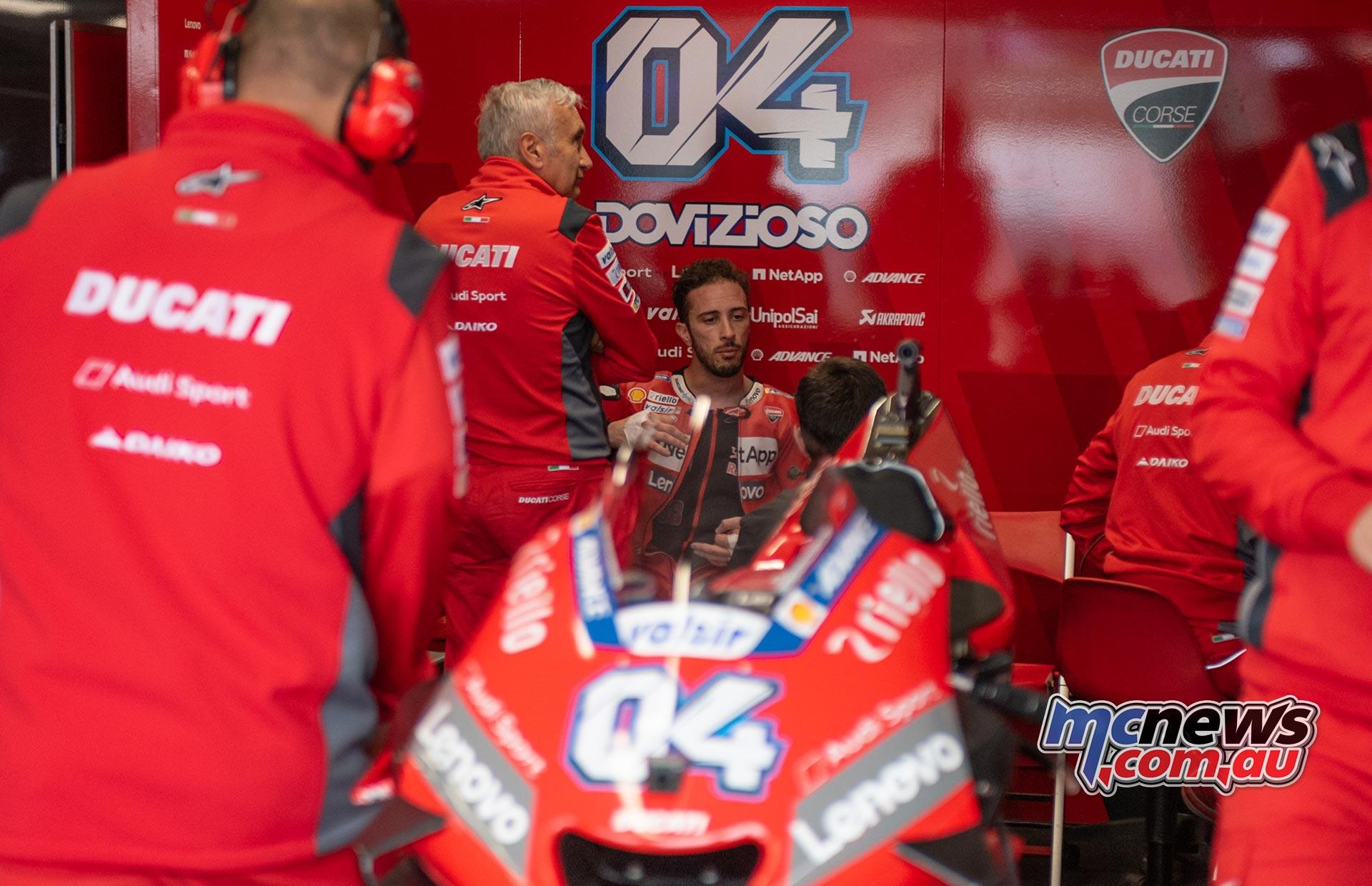 MotoGP Australia Phillip Island RbMotoLens MotoGP FP Pits Andrea DOVIZIOSO