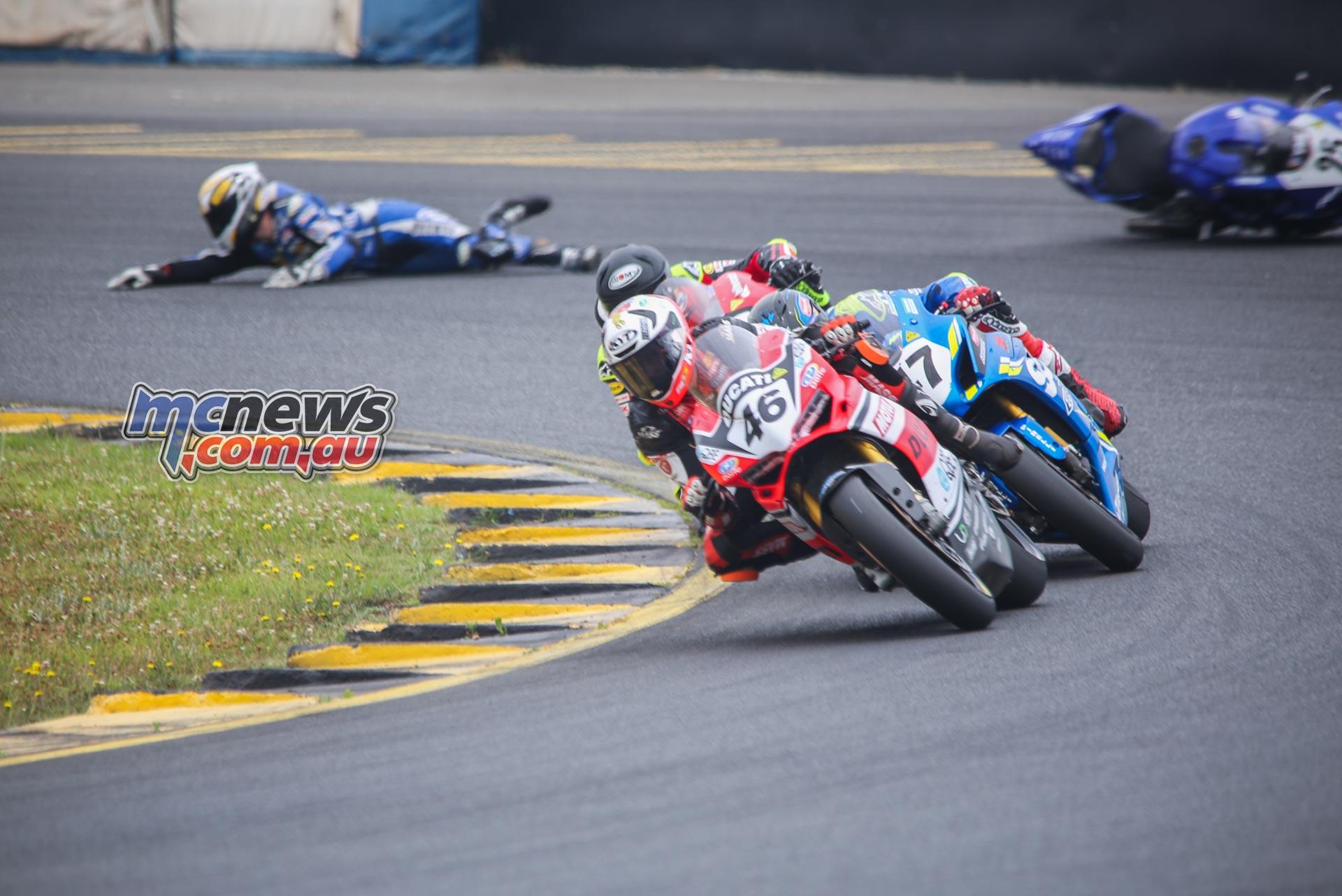 ASBK Rnd SMP SBK R Falzon Crash