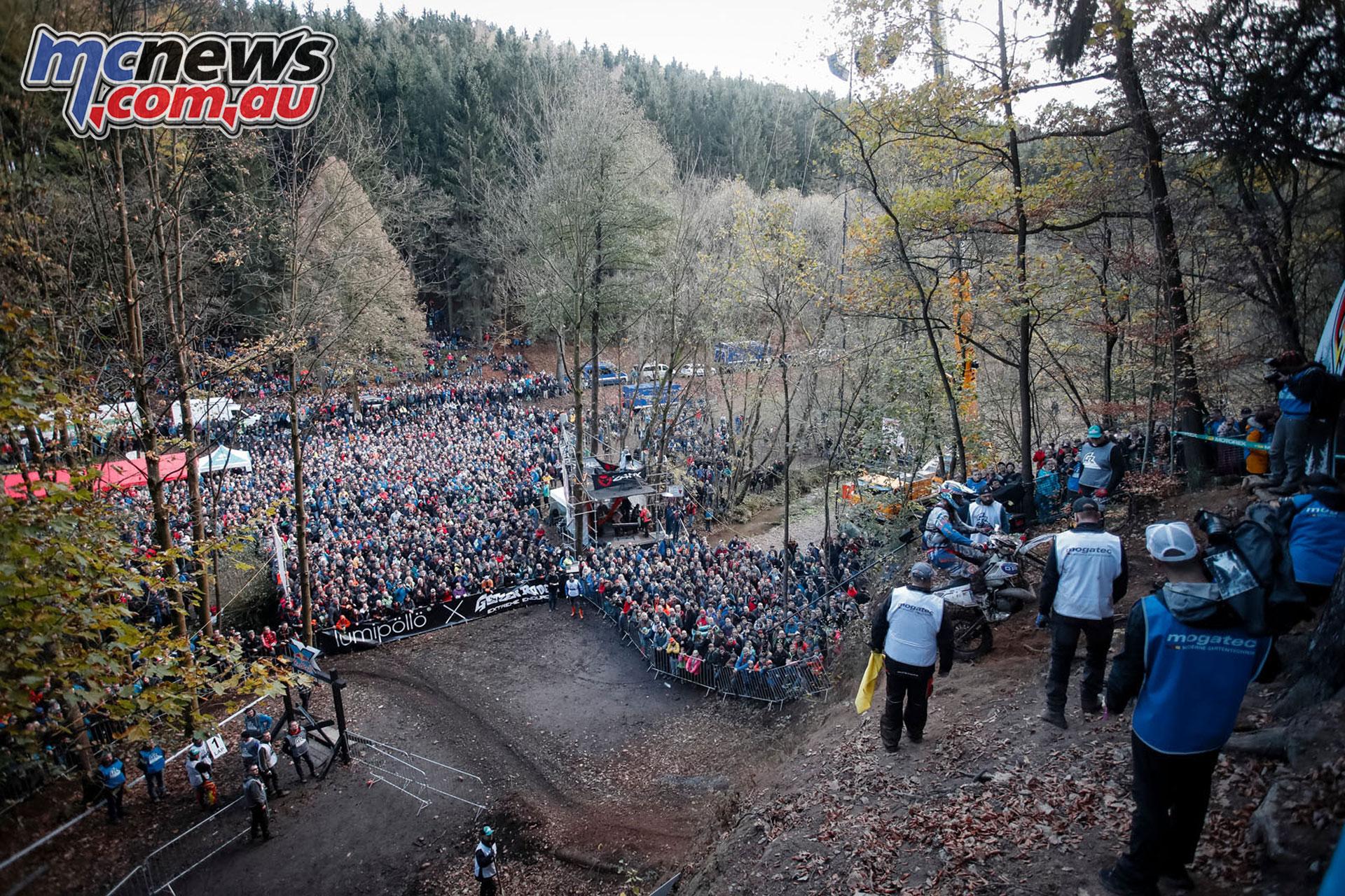 WESS GetzenRodeo crowd FM