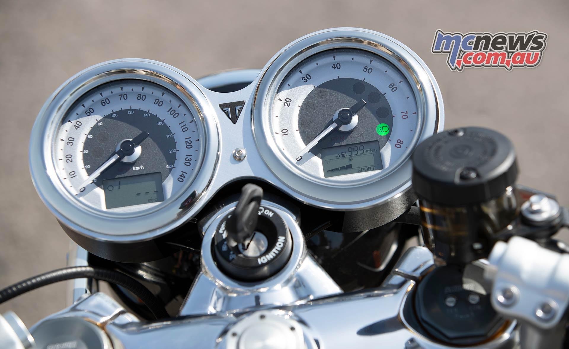 Triumph Thruxton RS Instruments