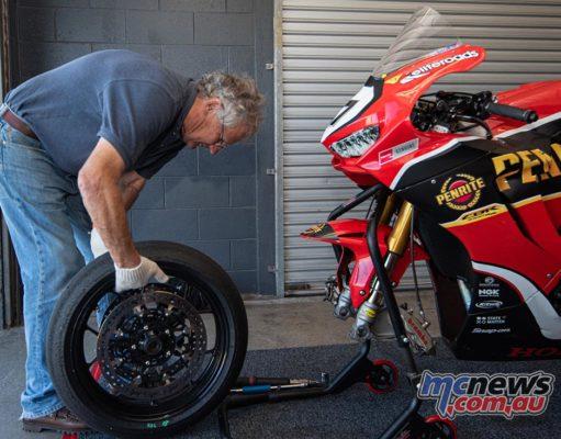 ASBK Test Phillip Island RbMotoLens ASBK Test SBK Troy HERFOSS bike Jeremy Burgess