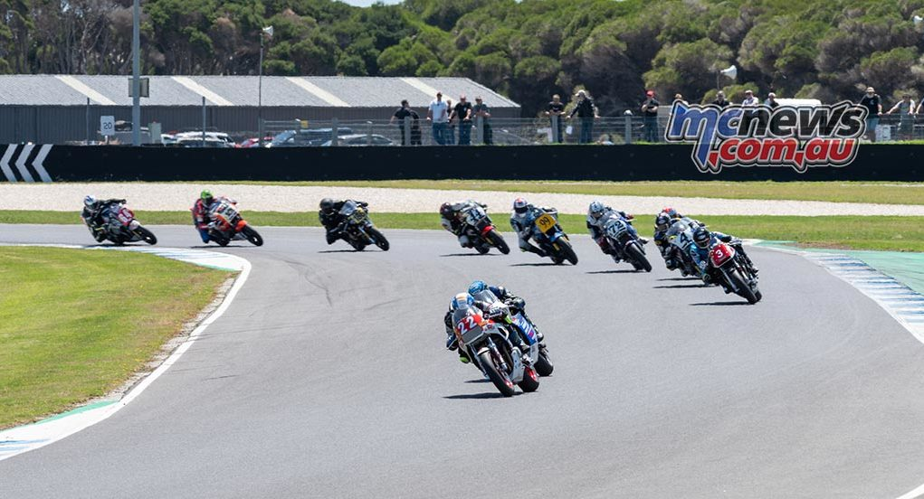 IIC Phillip Island RbMotoLens IC R Start Jed Metcher Leads