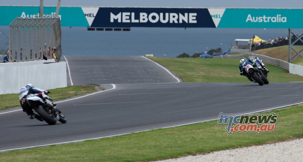 IIC Phillip Island RbMotoLens IC R Jed Metcher Leads from Alex Phillis Josh Hayes
