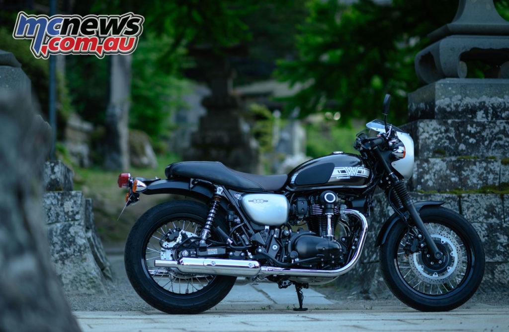 Kawasaki W Cafe Review Japan DSC