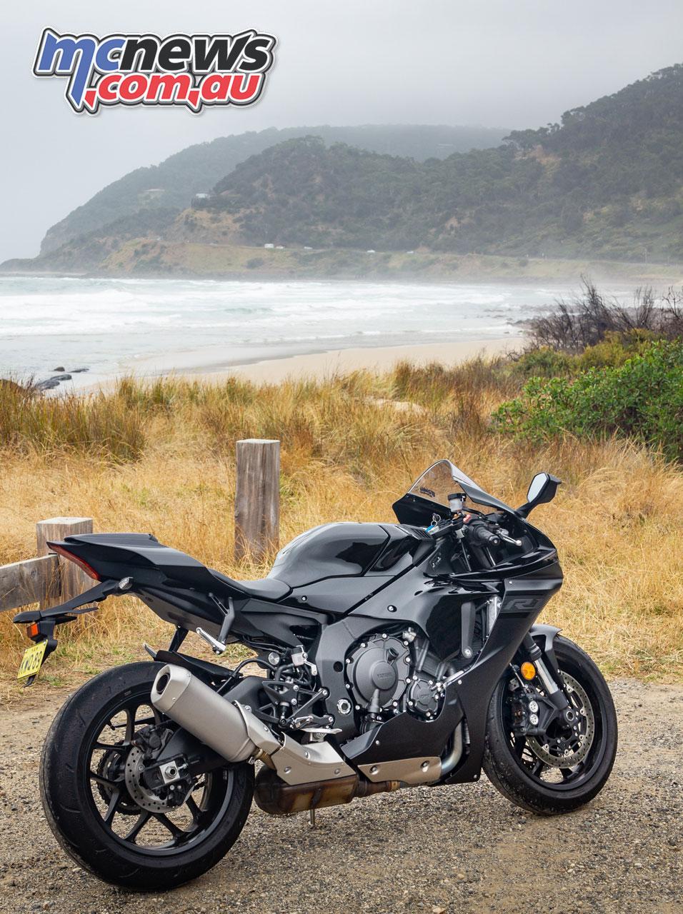 Yamaha R IMG