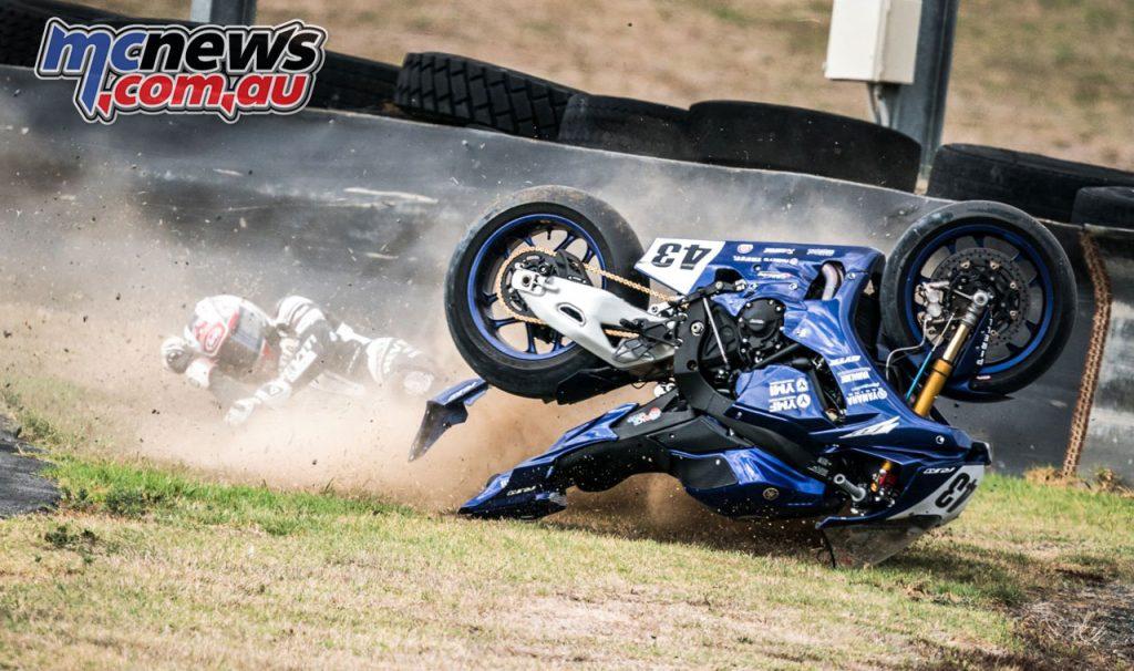 NZ SBK New Zealand TT Alastair Hoogenboezems crash Hampton Downs