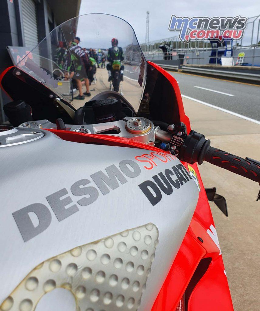 DesmoSport Ducati VR Rnd Tank