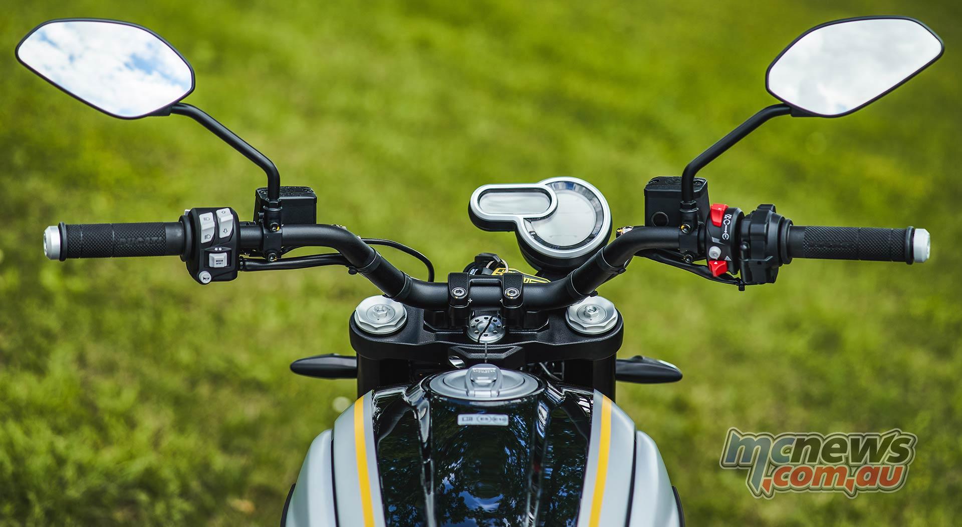 2021 Ducati Scrambler 1100 Pro - Dual element LCD panel
